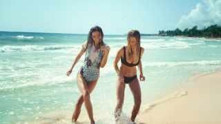 Screenshot aus H&M Forever Summer Werbung