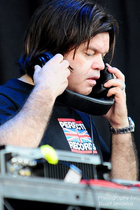 "<a href=""http://www.flickr.com/people/35612611@N07"">Stuart Sevastos</a>, <a href=""https://commons.wikimedia.org/wiki/File:Paul_Oakenfold_3_2009.jpg"">Paul Oakenfold 3 2009</a>, <a href=""https://creativecommons.org/licenses/by/2.0/legalcode"">CC BY 2.0</a>"