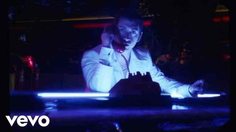 """Tranquility Base Hotel & Casino"" Musikvideo"