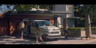 Screenshot aus Der Citroën Berlingo Werbung