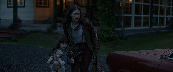 Nina und Amanda in Das Gift