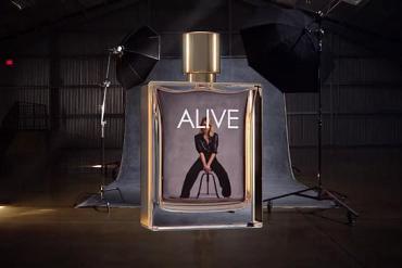 Screenshot aus der BOSS ALIVE Werbung