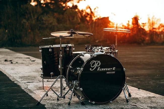 Schlagzeug im Freien
