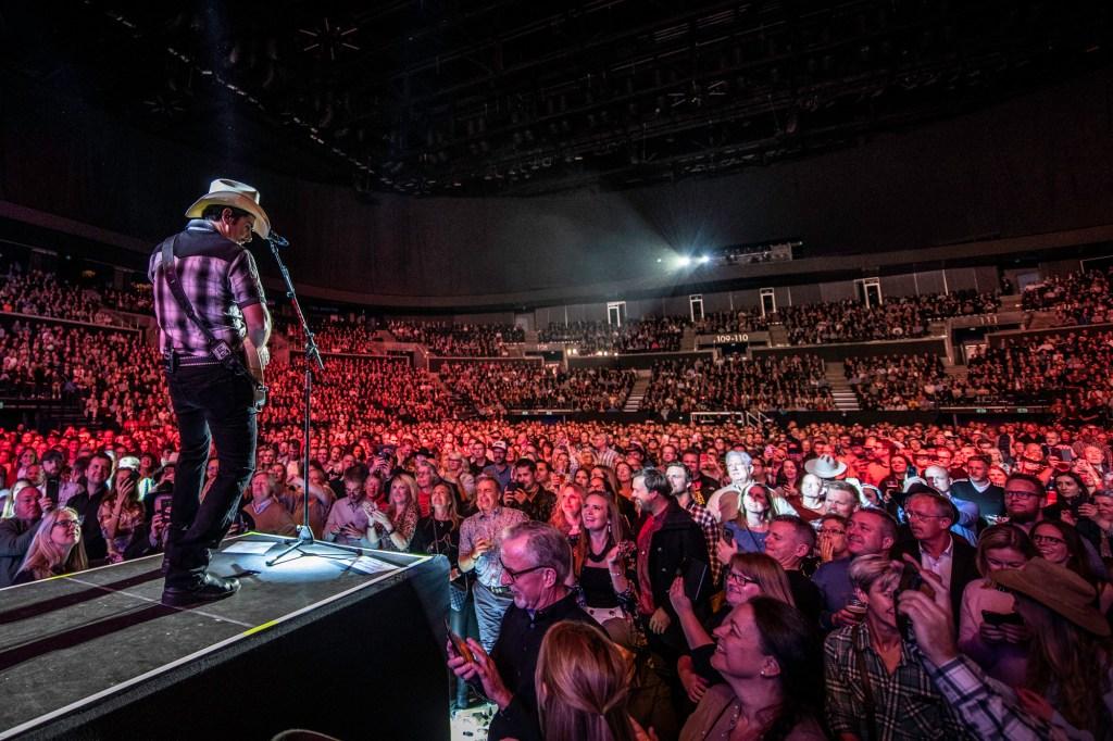 Brad Paisley, Royal Arena