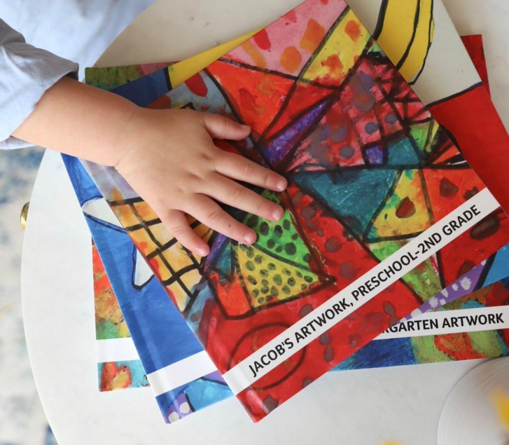 #backtoschool #kidart #readyforschool #kidorganizationideas #artkive | Poplolly co.