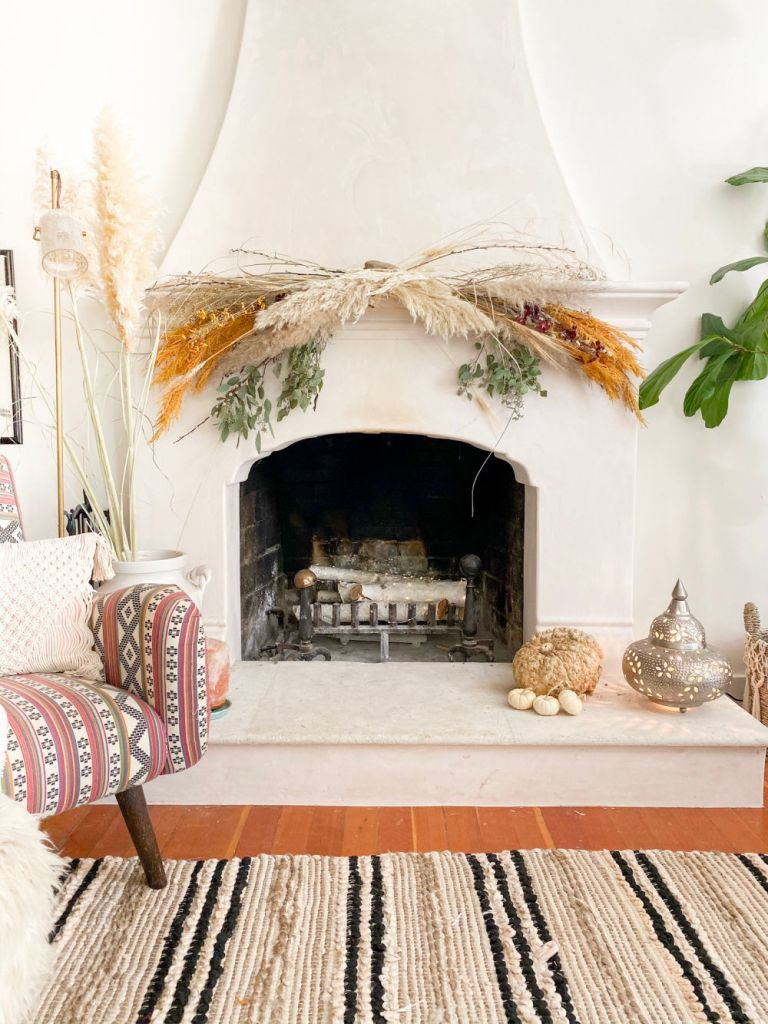 #howtocreateyourownfallmantledecor #howto #falldecor #fallmantle #diyfall #howtocreateafloralarrangement #florals #flowers #fireplaceideas #fireplace #fireplacedecor| Poplolly co