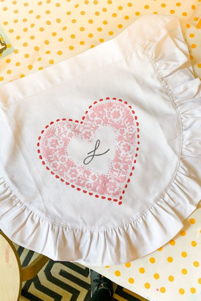 DIY heart doily apron | Poplolly co