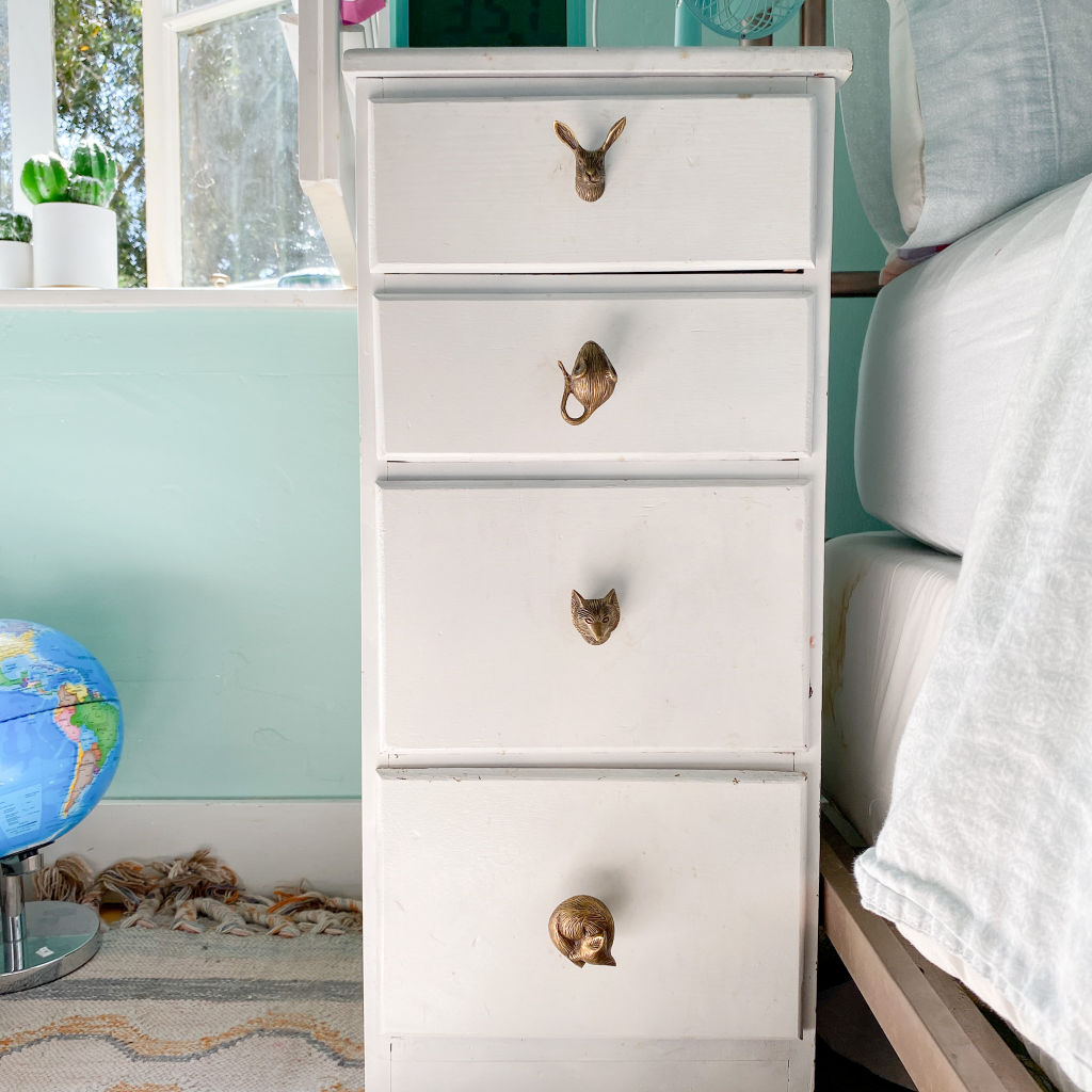 Vintage painted dresser with gold animal anthropologie knobs | #diy #furniturerestoration #painteddresser #upcycledfurniture | Poplolly co