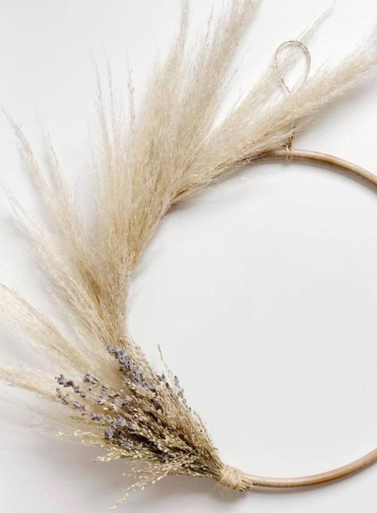 pampas grass decor ideas | wreath tutorials | fall wreath | Poplolly co