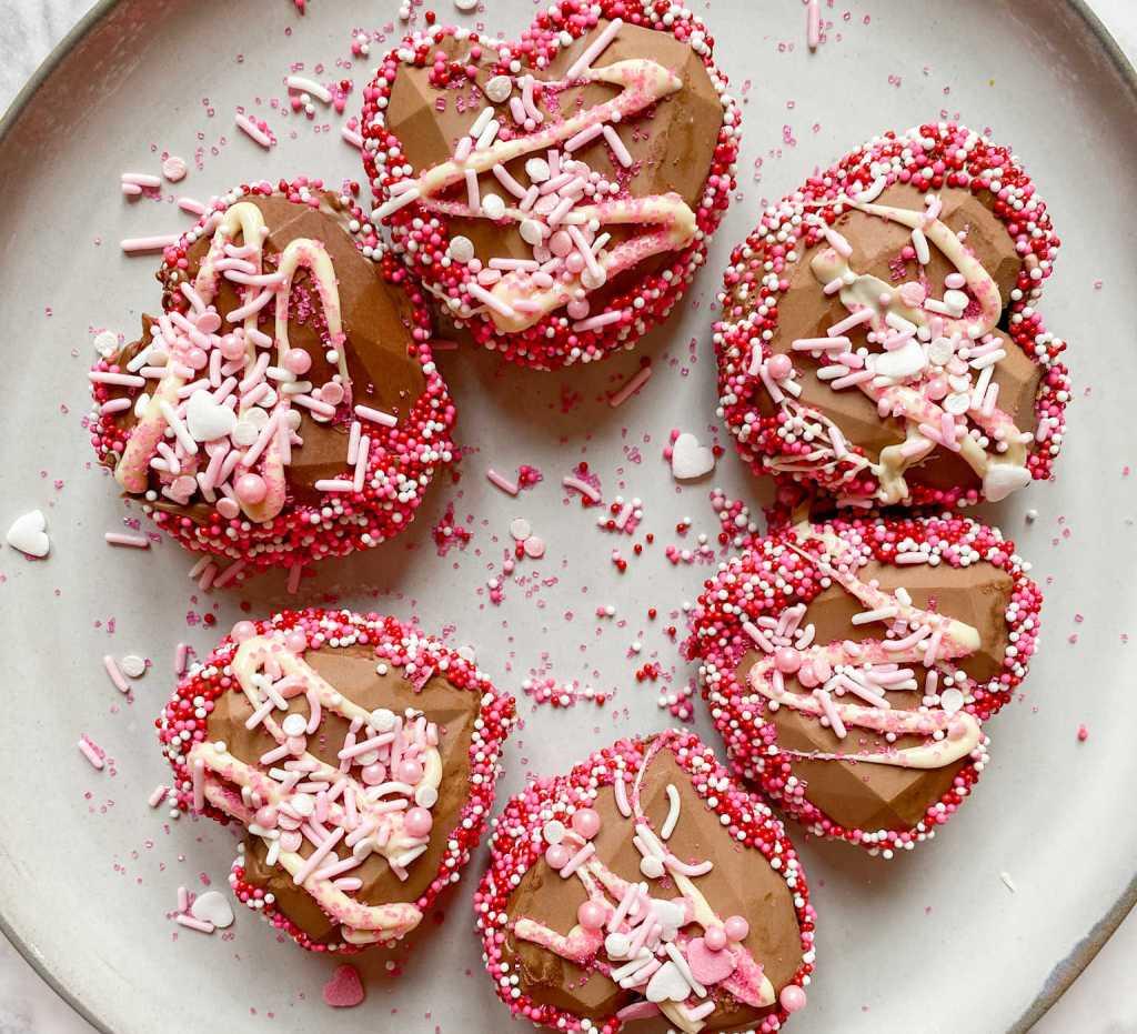 heart hot cocoa bombs | Poplolly co