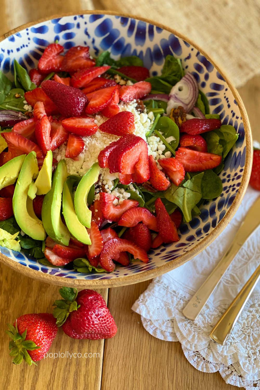 spicy strawberry avocado salad