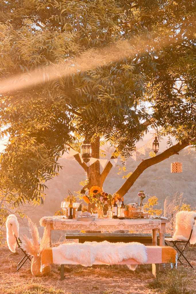 dining al fresco outdoor table decor | Poplolly co