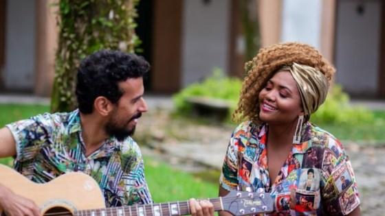 """Os cantores Felipe Cordeiro e Gaby Amarantos em """"Ventos Que Sopram — Pará"""" (crédito: Divulgação/Curta!)"""