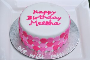 Hot pink ombre circles cake
