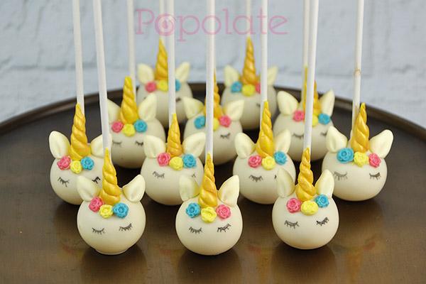 Pastel unicorn cake pops