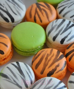 Jungle animal print macarons