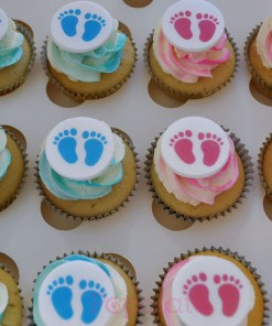 he or she cupcakes