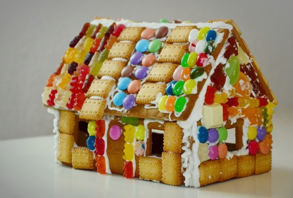 gingerbread-house-1098731_1280