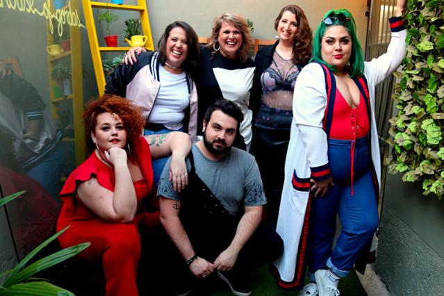 Primeira loja colaborativa de moda plus size do Brasil comemora 1 ano com festa no sábado