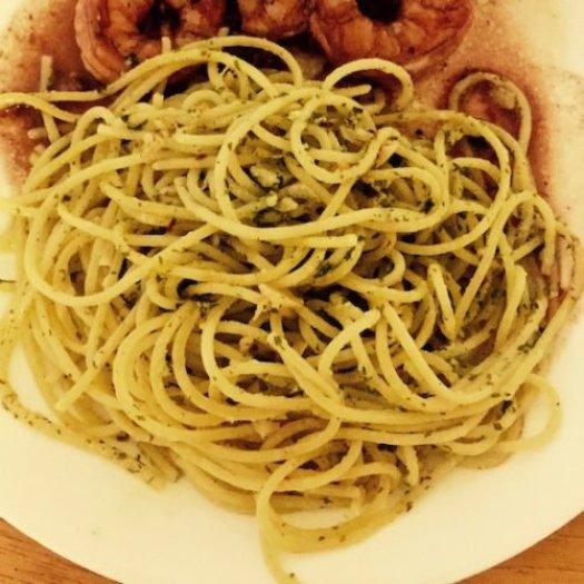Spaghetti aglio e olio poppopcooks.com