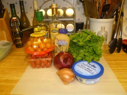 Sweet Tomato & Blue Cheese Salad Ingredients
