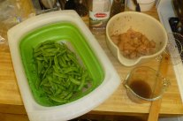 Cleaned Peas, Chicken Chopped & Mixed, Sauce