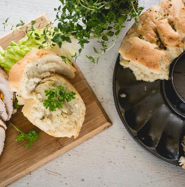 Chleb czosnkowy do odrywania przepis