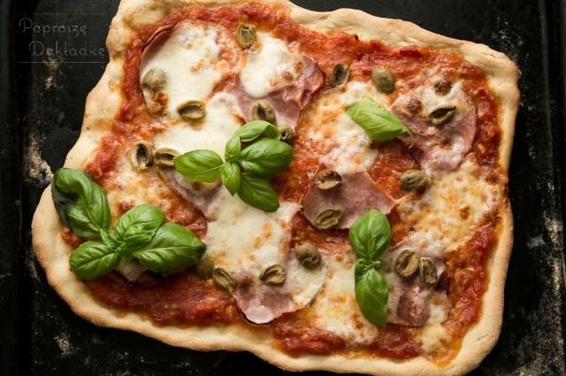 pizza z semoliną