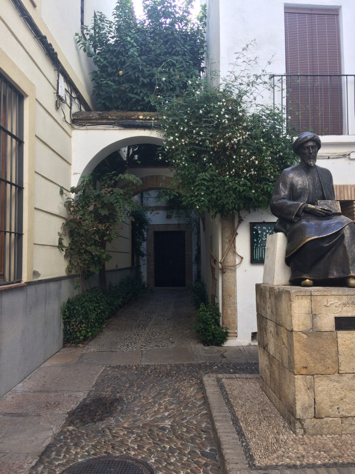 Juderia - dzielnica żydowska i pomnik Maimonidesa