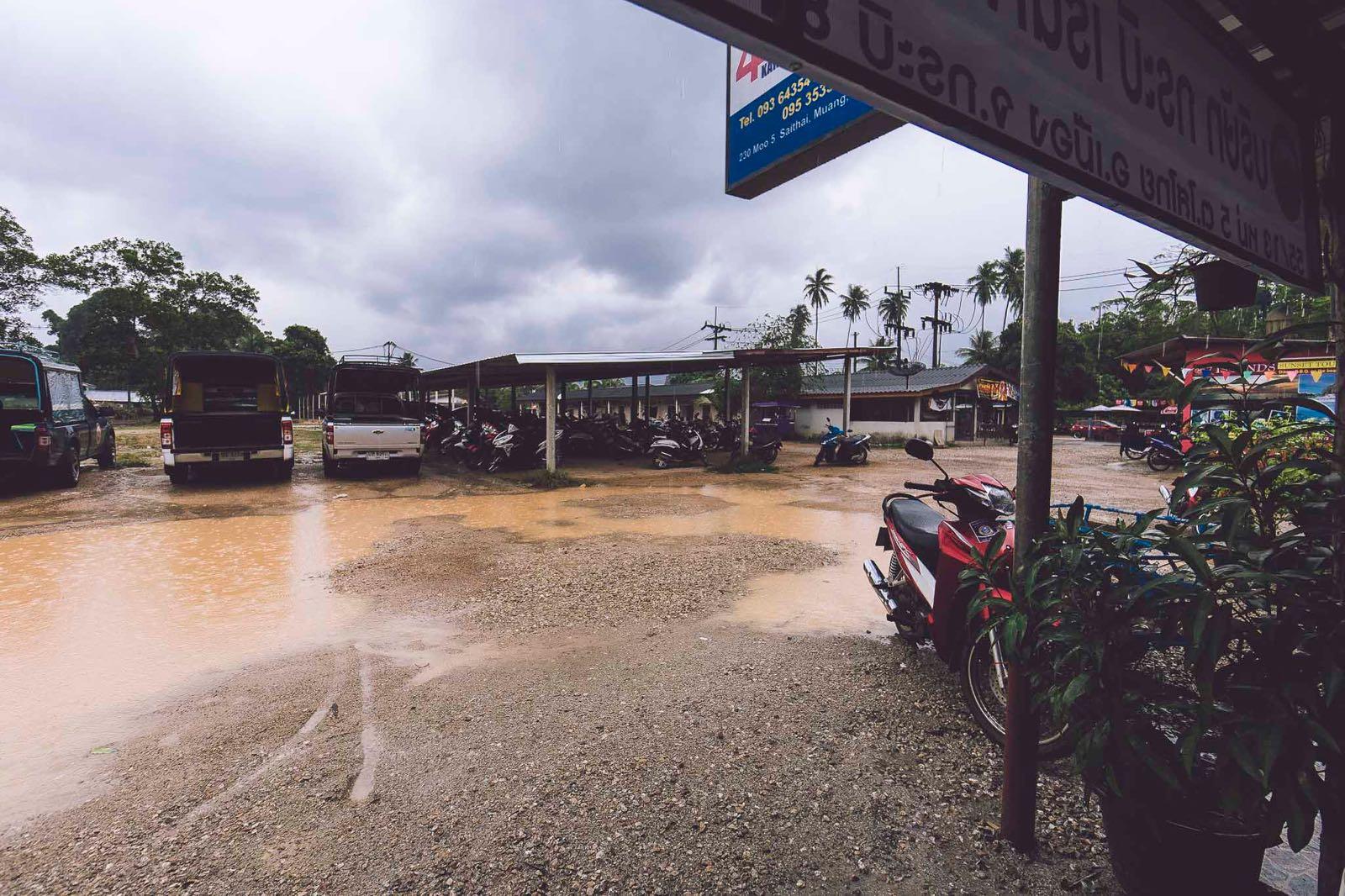 Krabi na początku pory suchej, chwilę po deszczu