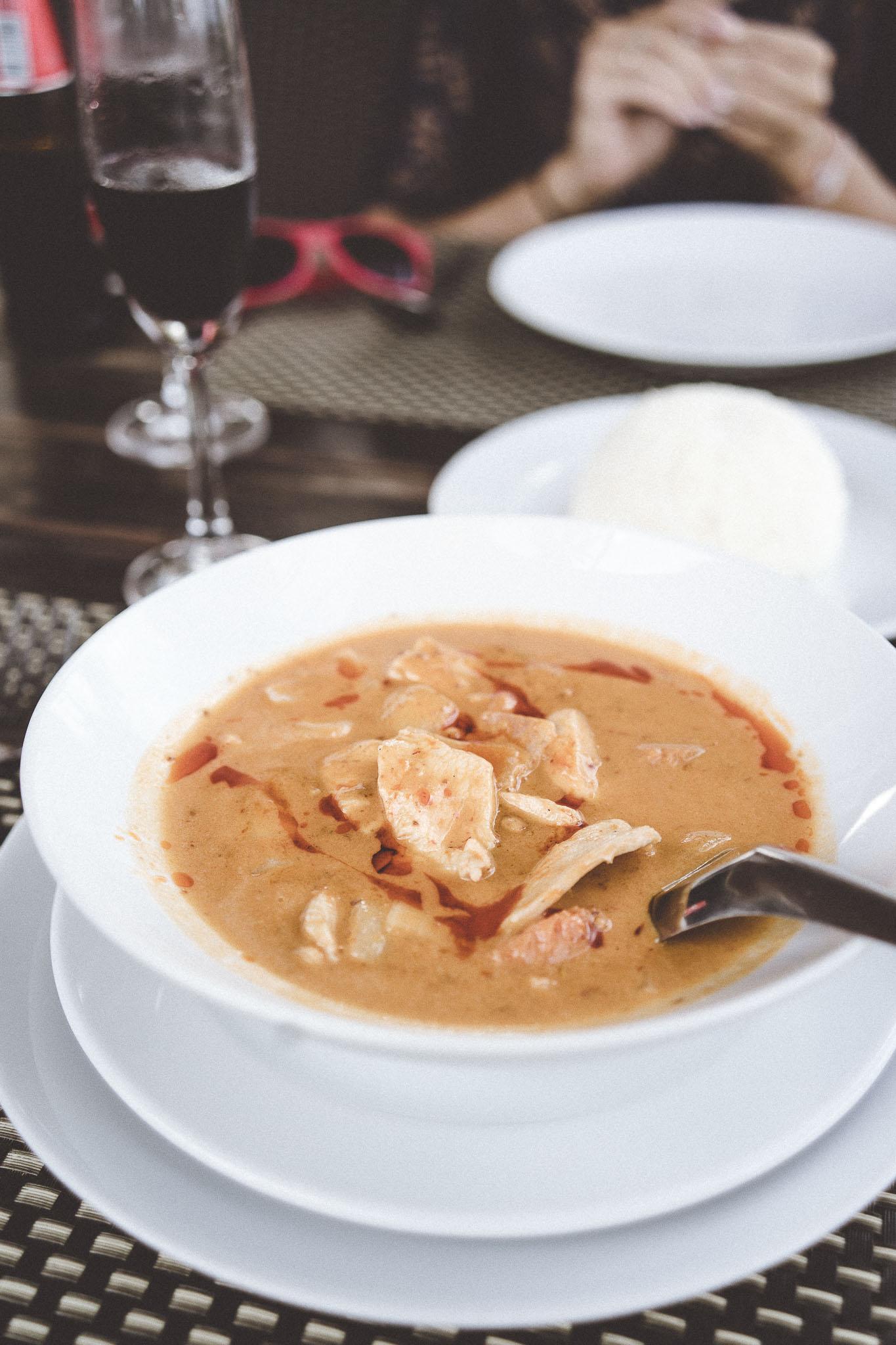 czerwone curry, gęste i aromatyczne. To była bardzo duża porcja!