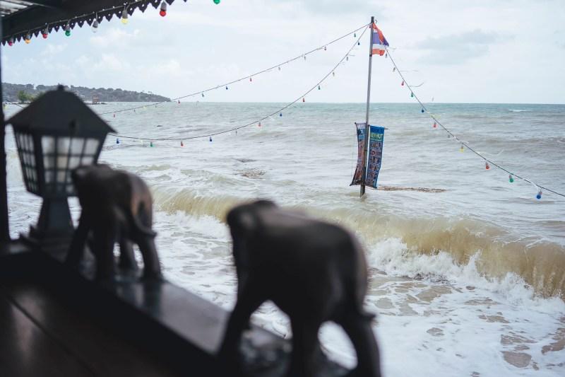 Chwila po burzy, plaża Lamai