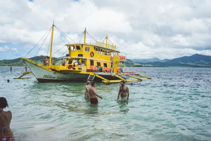charakterystyczna żółta łódź Mellow Yellow :-)