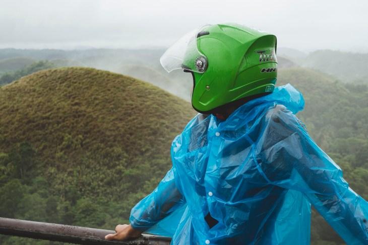 kask, najlepsza ochrona przed deszczem ;-)