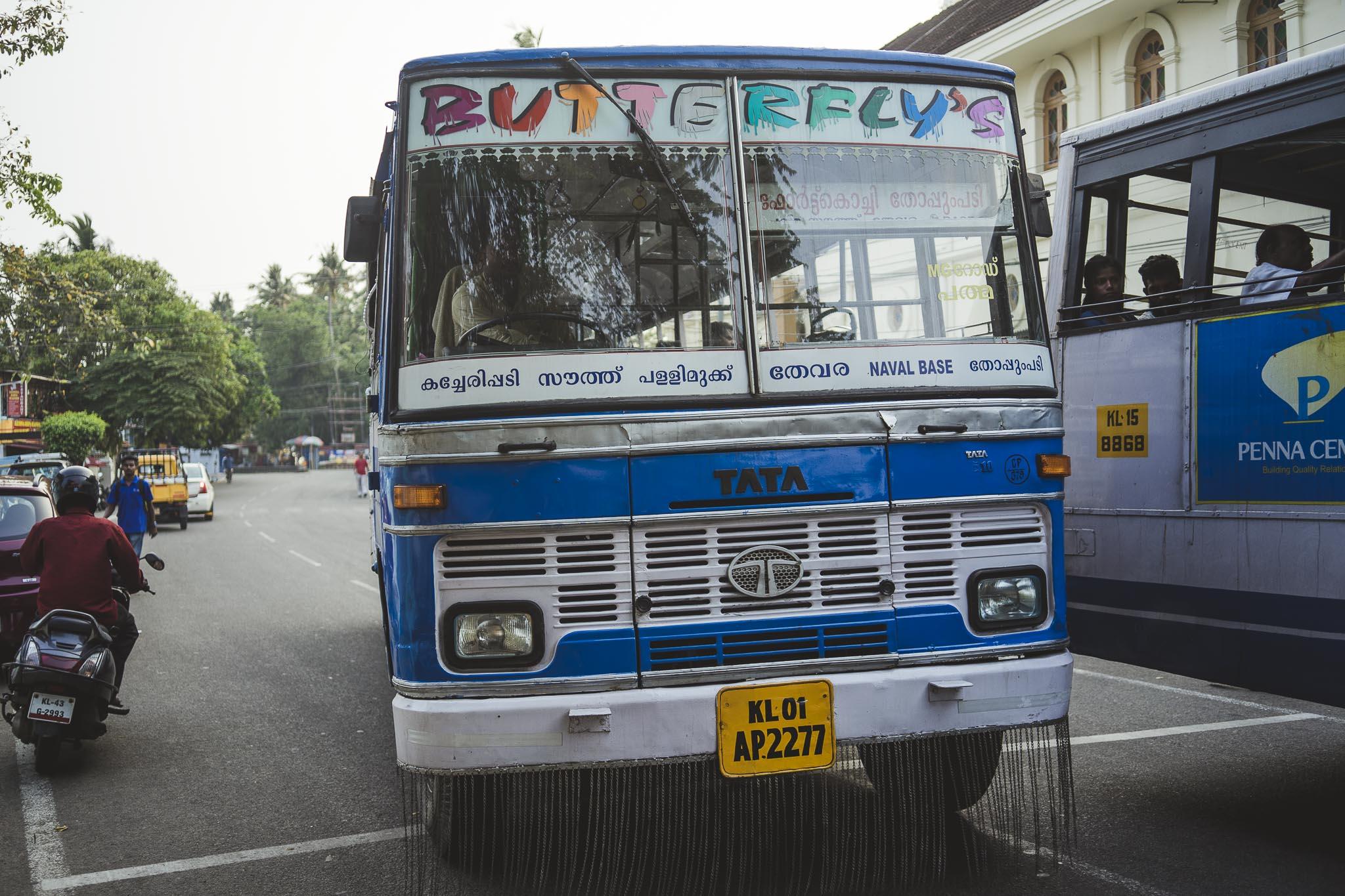Klasyczny Tata autobus w Kochi