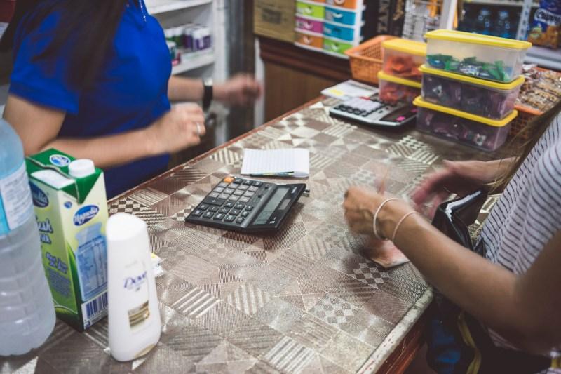 Zamiast kasy fiskalnej kalkulator i zeszyt, Filipiny, Panglao
