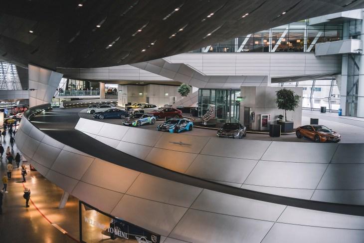 BMW - nie tylko chwali się swoimi autami, ale też edukuje - brawo!