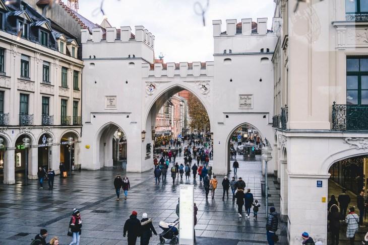 widok z Karslplatz w stronę Marienplatz