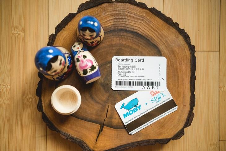 Boarding Card to Twoja karta pokładowa i klucz do kajuty