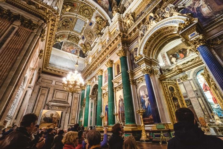 pozłacane wnętrza Soboru Świętego Izaaka