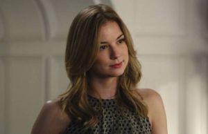 Revenge: Emily promete eliminar família Grayson 2