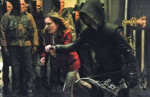Arrow: Oliver decide negociar com Slade 1