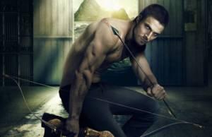 Arrow: segunda temporada foca em construção do herói