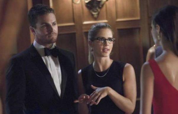 Arrow: na terceira temporada, Oliver terá que lutar por Felicity
