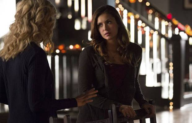 The Vampire Diaries: Elena organiza festa em seu dormitório