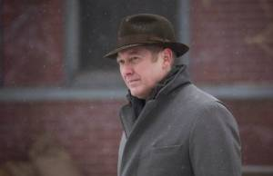 The Blacklist: Lizzie e Red resgatam agente da CIA