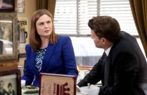Bones: Brennan aprende a usar o Twitter