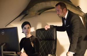 Blindspot: Jane e Weller trabalham infiltrados em missão perigosa