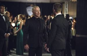 Arrow: protagonista enfrenta Damien Darhk