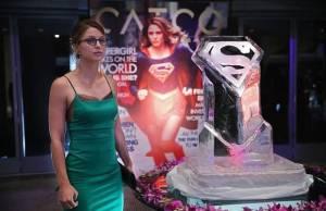 Supergirl: heroína enfrenta o vilão Reactron